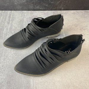 NEW JG   Strappy Black Pointed Flats 7